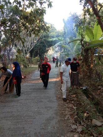 Gerakan Serentak Semesta Berencana Bali Resik Sampah Plastik Tahun 2019 Desa Pengulon