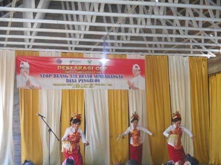 Penampilan Tari Panyembrahma dalam acara Deklarasi ODF Desa Pengulon