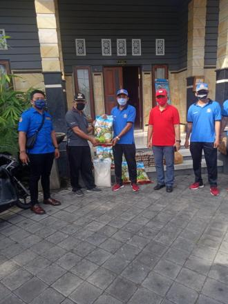 Bantuan Sembako dari Karang Taruna Kecamatan Gerokgak