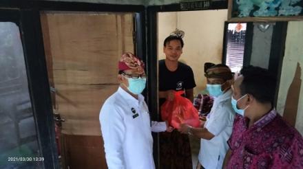 Kunjungan Bapak Kepala Dinas Sosial Kabupaten Buleleng di Desa Pengulon